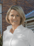 Bernadette Simic, Ray White - MORNINGSIDE