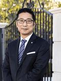 Lawrence Zhu,