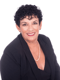 Evelyne Castaldi, Professionals - John Henderson