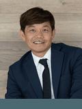 Raymond Lin,