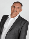 Michael Berry, RE/MAX Property Sales - Servicing the Sunshine Coast