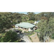 ST HELEN'S COUNTRY COTTAGES, 72 Warenda Road, Clare, SA 5453