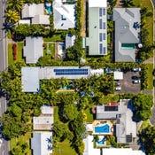 32 Veivers Rd, Palm Cove, Qld 4879