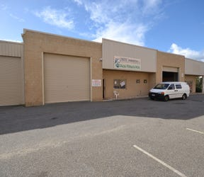 2/11 Oxleigh Drive, Malaga, WA 6090