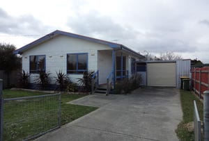 1 Irving Road, Cowes, Vic 3922