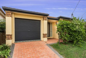 60 DONALD ST, Woody Point, Qld 4019