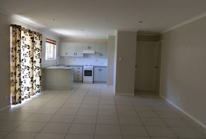 75 Staal Crescent, Emerald, Qld 4720