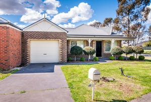 38 Waterbush Crescent, Lyndhurst, Vic 3975