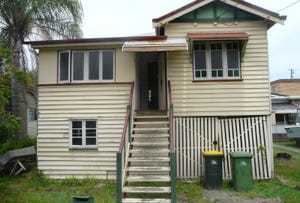 4 SUTTON STREET, Redcliffe, Qld 4020