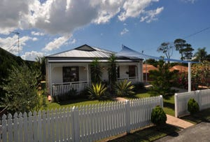 17 Swallow Avenue, Paradise Point, Qld 4216