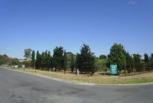 8 Lake Harbour Avenue, Newlands Arm, Vic 3875