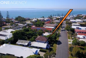 14 Herbert Street, Scarborough, Qld 4020