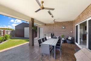 1 Plover Court, Highfields, Qld 4352
