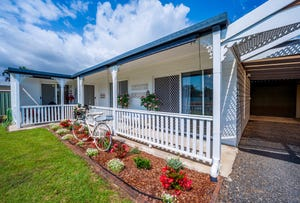 33 Burnett Heads Road, Burnett Heads, Qld 4670