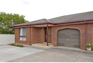 2/411 Ross Circuit, Lavington, NSW 2641