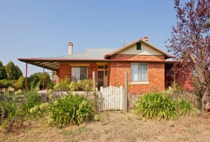 6 Clive Court, Table Top, NSW 2640