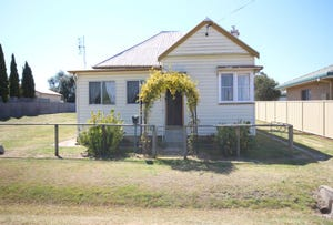 14 Railway Street, Tenterfield, NSW 2372