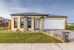 12 Greenslate Street, Clyde North, Vic 3978