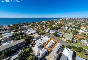 1/22 Dunns Terrace, Scarborough, Qld 4020