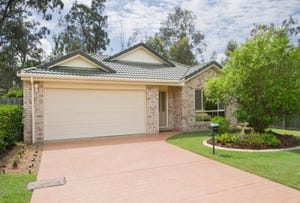 8 Cotton Close, Forest Lake, Qld 4078