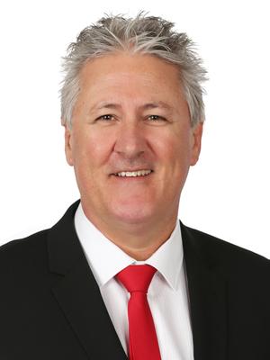 Giles Lort-Phillips
