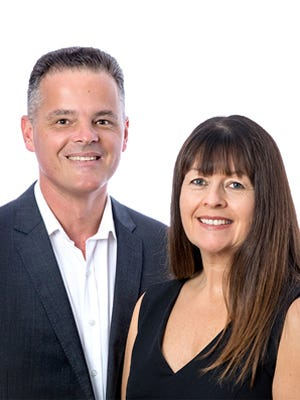 Pete & Liza ~ Sell Realty ~