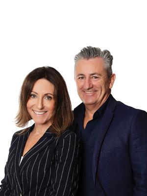 Ian & Jennie Adams
