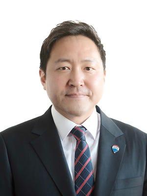Chris Hwi Lee