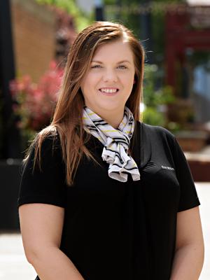 Lisa Mundey (Property Manager 1)