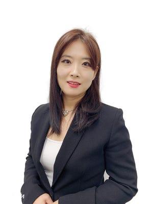 Sue HONG