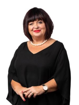 Leslie Barker