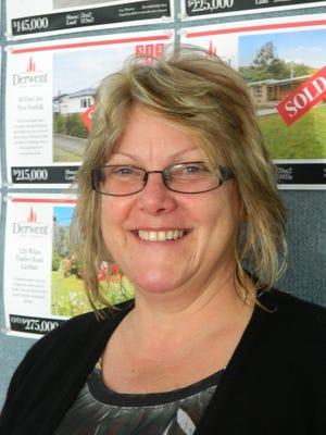 Lynda Wright