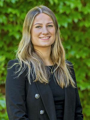 Cassie Favero
