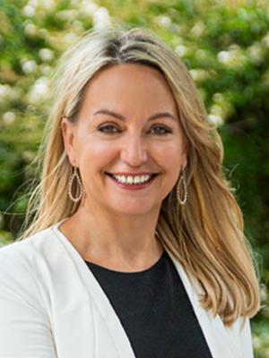 Simone Howell