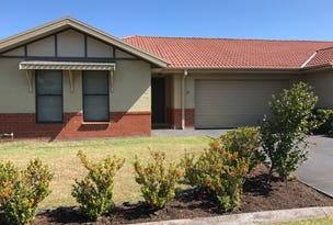 27/12 Denton Park Drive, Rutherford, NSW 2320