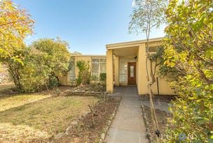 32  Hopetoun Circuit, Deakin, ACT 2600