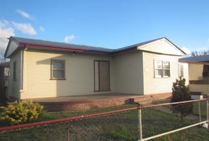 1/2 Begonia Street, Tamworth, NSW 2340