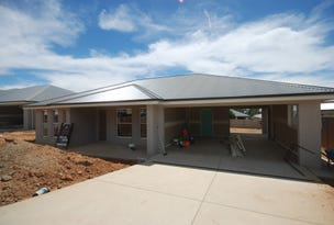 6 Hollows Crescent, Lloyd, NSW 2650
