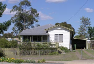 54 Campbell Street, Oakey, Qld 4401