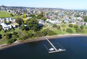 99  Carpenter Street, Lakes Entrance, Vic 3909