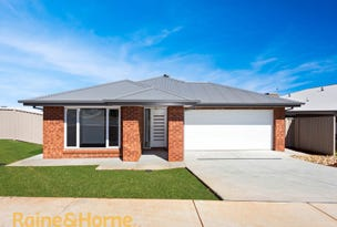 19 Charlton Street, Boorooma, NSW 2650