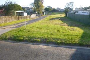 13 Gordon St, Bega, NSW 2550