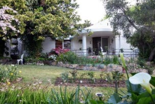 60 Macleay Street, Turvey Park, NSW 2650