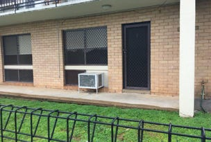 1/4 Nordlingen Drive, Tolland, NSW 2650