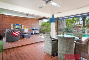1 Moonbeam Crescent, Castaways Beach, Qld 4567