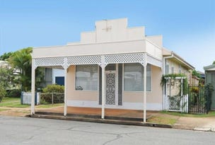70 King Street, Woody Point, Qld 4019