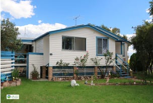 61 Woodlawn St, Wallangarra, Qld 4383