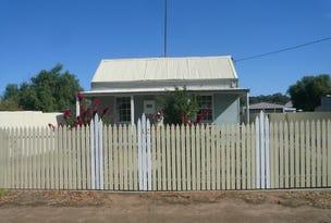 12 Molyneaux Street, Warracknabeal, Vic 3393