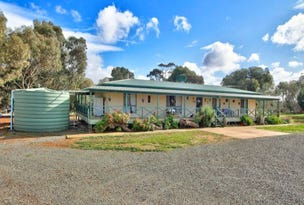 284 Macaw Creek Road, Riverton, SA 5412