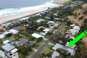 Blueys Beach, address available on request